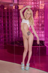 Skinny Blondie Elsa Jean Slips Out Of Her Skirt - 11