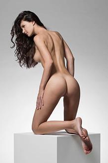 Lauren - The Art Of A Naked Body