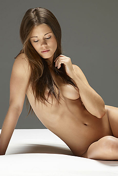 Caprice Naked In The Studio